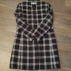 Gorgeous lined coat. Size 6